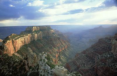 地球的太阳反射器?科学家探索潜在的风险和好处