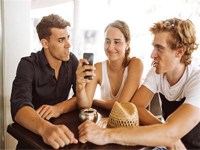 新型钙钛矿太阳能电池制备方法为大规模生产铺平了道路