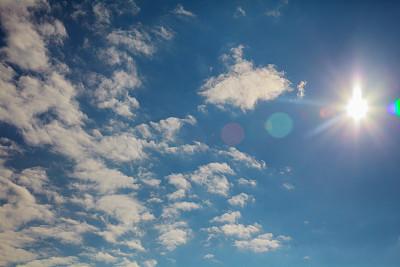 一种更安全、更环保的太阳能电池制造方法:研究人员找到有毒溶剂的替代品
