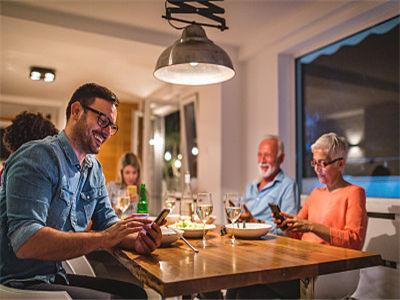 科学家开发新方法来预测液体如何冻结