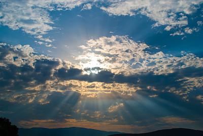 新的人工智能工具根据照片计算材料的应力和应变