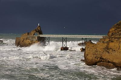 金属增压是一种将有害的二氧化碳埋藏在海底的有前途的方法